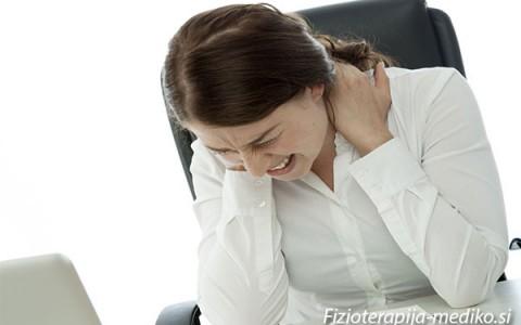 Ali sedenje vpliva na obremenitev zgornjega dela telesa